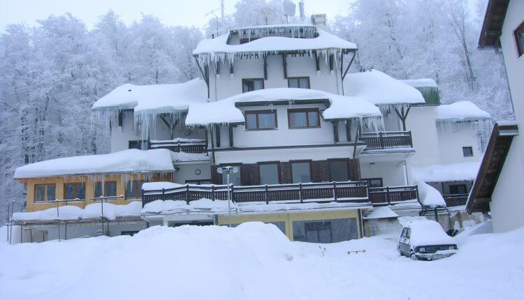 Hotel Babin Zub na Staroj Planini u zimskom ruhu