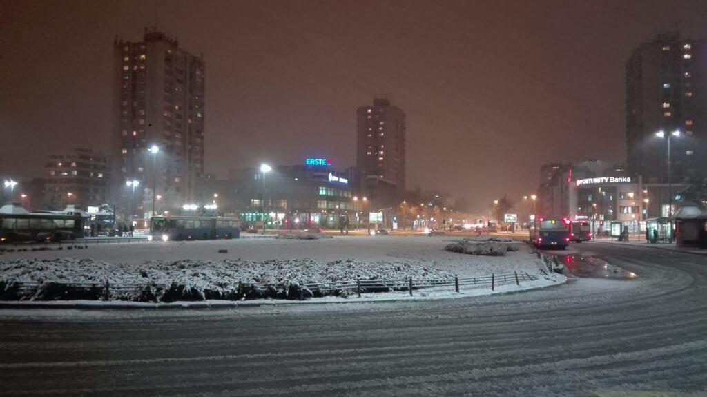 Sneg u Novom Sadu - 20. feb 20hSneg u Novom Sadu - 20. feb 20h