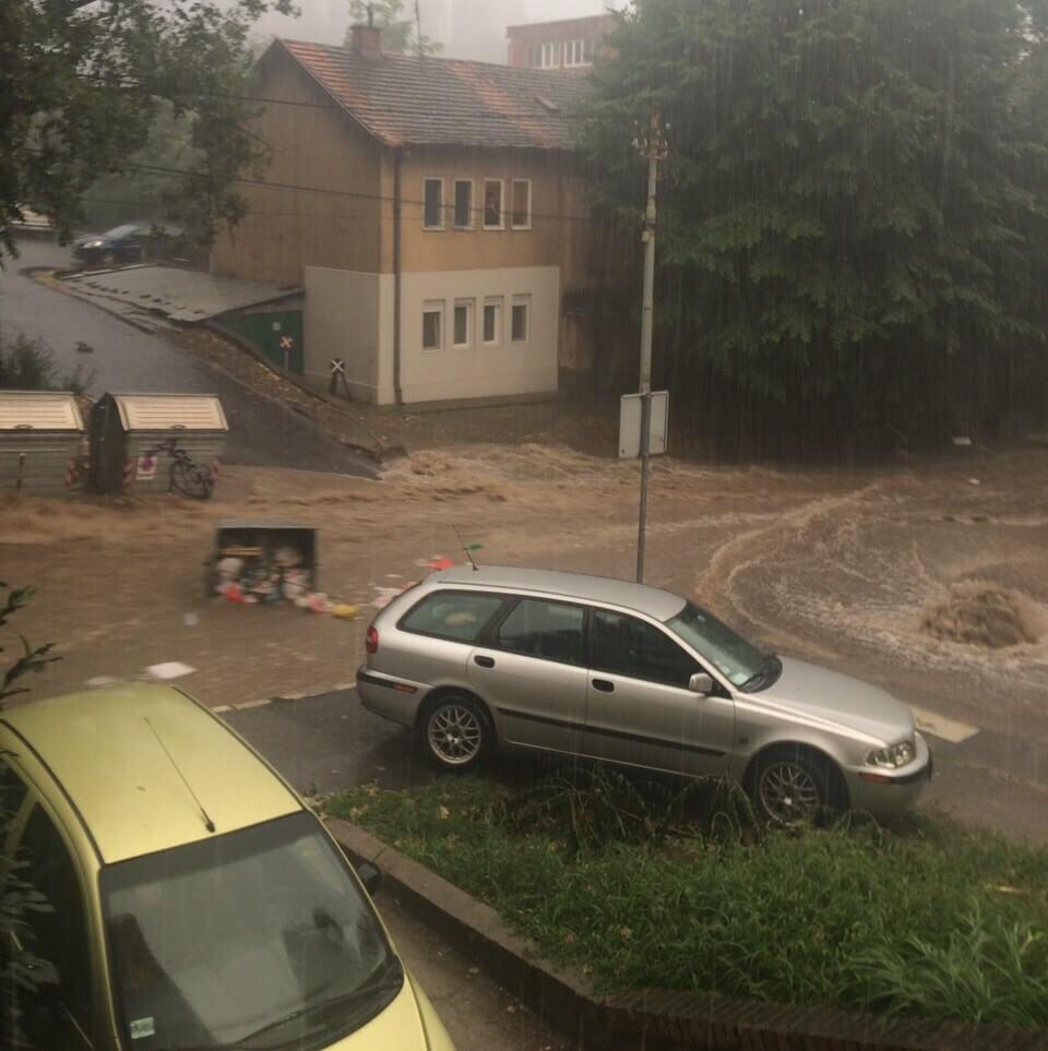 Obilan pljusak na Čukarici - 15. avgust 2018