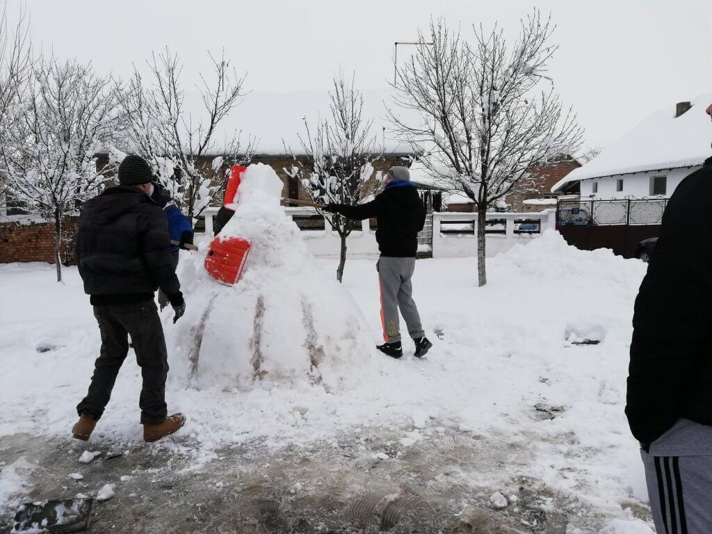 Snežni lala napreduje iz minuta u minut