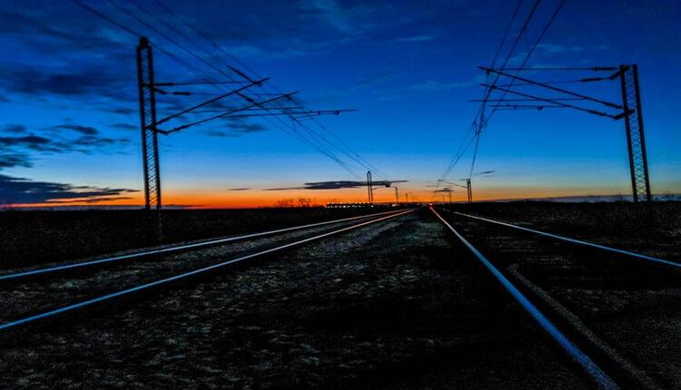 Zalazak i pruga između Šida i Beograda