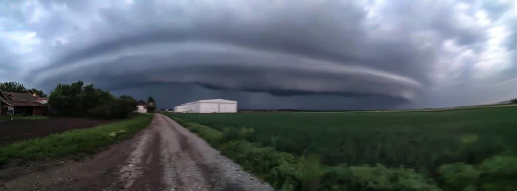 Dok se oluja približavala Tornjošu (Foto: Miklos Miklos)