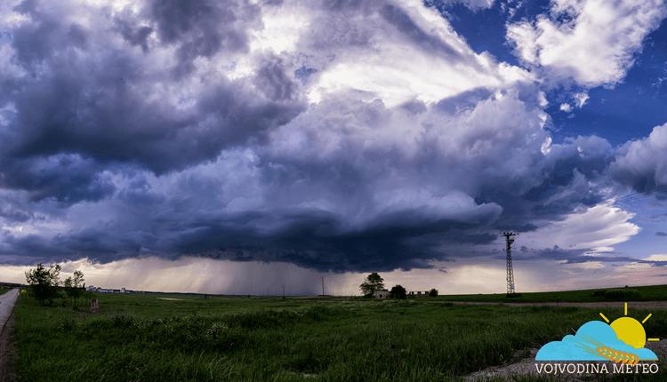 Lokalni razvoj oblaka u okolini Elemira (Foto: Matija Uglješin)